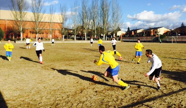 El Sporting <h3 class='enlacePalabraNoticia' onclick='opcionBuscarActualidad('Riazano','')' >Riazano</h3> consigui� una importante victoria en el campo de `Los Cardos�